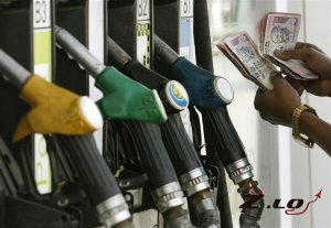 АЗС недоливают бензин.