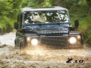 Land Rover модернизировал внедорожник Defender
