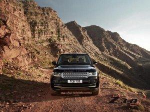 Впервые Range Rover получит гибридный силовой агрегат