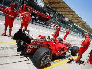 Формула 1: к чемпионату болиды Ferrari еще не готовы