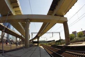 Возможно ли строительство дорог над ЖД путями?