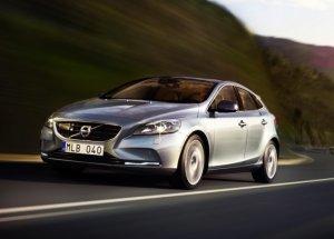 В России появится дизельная комплектация автомобиля Volvo V40 Cross Country