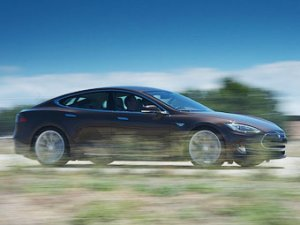 Tesla может запустить производство своих авто в Европе и Азии