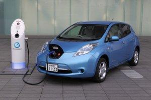 Компания Nissan собирается увеличить количество своих электрокаров