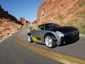 Компания Nissan покажет свой новый компактный спортивный автомобиль