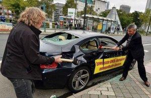 Разочарованный владелец лично разбил BMW