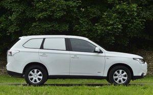 Mitsubishi Outlander Commercial стал развозным фургоном