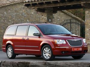 Большой и заботливый друг семьи: Chrysler Grand Voyager