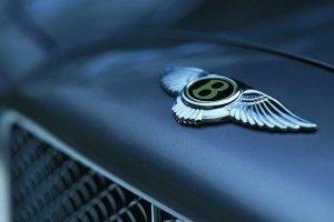 Из дилерского центра Bentley было украдено пять машин
