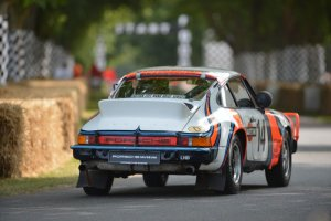 Очередной кроссовер от Porsche