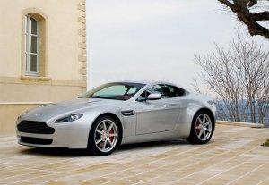Aston Martin собирается отозвать пять тысяч машин