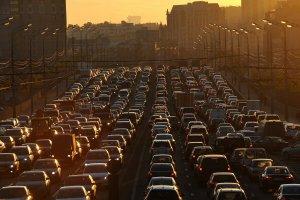 Из-за своей культуры водители Москвы не смогут выезжать на выделенные линии ...