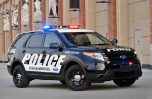 Полицейские Америки выбирают Ford Explorer
