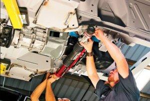 Секреты ремонта стучащей рулевой рейки