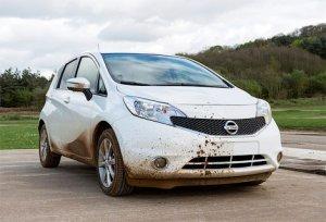 Компания Nissan проводит испытания автомобиля, который не боится грязи