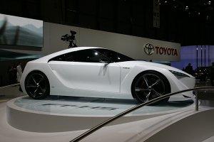 Toyota Mirai появится в продаже в 2015-м году