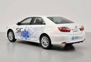 Представлен гибридный автомобиль Toyota Camry Hybrid SiC