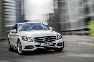 В России предложили новые версии Mercedes C-Class