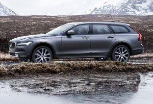 Представлен вседорожный универсал Volvo V90 Cross Country